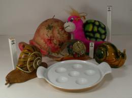 Escargot - Lot De 6 Objets - Grosse Bougie, Thermomètre, Peluche, Poêlon, Magnet, Bibelot En Céramique - Figurines