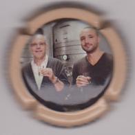 Capsule Champagne DUVAT Albéric ( 47b ; Contour Orange Pâle ) {S04-19} - Champagne