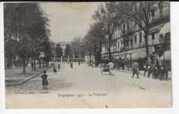 83 - DRAGUIGNAN - La Préfecture - Animée (Q48) - Draguignan