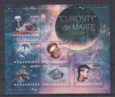 H92. Mozambique - MNH - 2012 - Space- Spaceships - Curiosity - Space