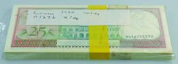 Suriname: Bundle With 100 Pcs. Suriname 25 Gulden 1985, P.127b In UNC - Surinam
