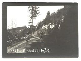 Cyclistes Sur Les Hauts De Blanchemer ( Route Des Crêtes Vosges / Alsace Au Fond La Ferme De Firstmiss  - 26/10/1921 - Lieux
