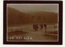 Marcheurs Sur La Digue Du Lac Vert  - F 68 - Le 22/6/1926 Cliché D Amateur - Lieux