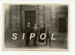 Groupe ( Famille Friedmann )  Devant  L  église N.D.  De Guebwiller - F 68 -  Le 26/7/1925 - Lieux