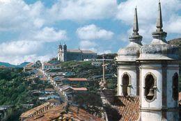 1 AK Brasilien * Kirchen Und Die Altstadt Ouro Preto - Seit 1980 UNESCO Weltkulturerbe * - Brésil