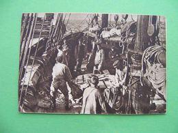ARKHANGELSK 1930 Port, Unload Fishing Vessel. Russian Postcard - Russie