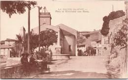 06 - LA GAUDE - Place Et Monument Aux Morts - Autres Communes