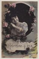 CPA Heureuse Fête, Belle Fille Avec Fleurs (pk54283) - Holidays & Celebrations