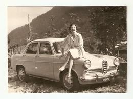 FO--00064-- FOTO ORIGINALE -CAR-AUTO-ALFA ROMEO GIULIETTA 1 SERIE CON SIGNORA TARGATA TORINO - Automobili