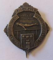 Insigne En Métal Du Concours Fédéral & National De Gymnastique De Dives Sur Mer - Juin 1937 - Gymnastique