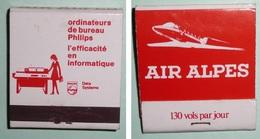 "Rare Pochette D'allumettes Ancienne, Boite, Ordinateurs Philips Data System, Air Alpes ""130 Vols ..."" Compagnie Aérienne - Boites D'allumettes"
