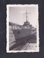 Photo Originale Guerre 39-45 Marine Francaise Sidi Abdallah La Pomone Au Bassin - Bateaux