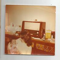 Photographie Radio Femme Et Enfant 9x9 Cm Env - Oggetti