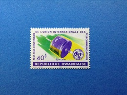 RWANDA REPUBLIQUE RWANDAISE 1965 UIT TELECOMUNICATIONS SYNCOM 40 C FRANCOBOLLO NUOVO STAMP NEW MNH** - 1962-69: Nuovi