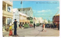 BERM-17   HAMILTON : Front Street ( With Policeman) - Bermuda