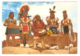 INDIAN DANCERS IN COLORFUL TRIBAL COSTUMES WORN AT THE INDIAN CEREMONIAL IN ARIZONA & NEW MEXICO - Etats-Unis