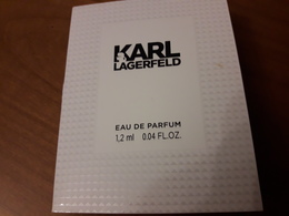 Echantillon  Sur Carte **  KARL LAGERFELD ** - Cartes Parfumées