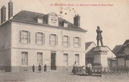 Rare Cpa Le Vaudreuil La Mairie Et La Statue De Raoul Duval Animée - Le Vaudreuil