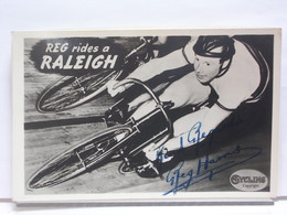 AUTOGRAPHE - DEDICACE -CARTE SIGNEE - REG. HARRIS - CYCLISTE - WORLD'S PROFESSIONAL SPRINT CHAMPION - REG. RIDES RALEIGH - Autographes