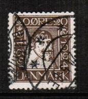 DENMARK  Scott # 174 VF USED (Stamp Scan # 443) - 1913-47 (Christian X)