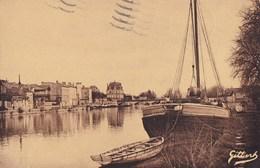 JARNAC - Les Quais, Chargement De Fûts De Cognac - Jarnac