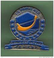 I.G PROVENCE *** DIGNUS EST INTRARE *** 0063 - Badges