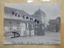17 CHATELAILLON LE CASINO 1910 FAMILLE BOURGEOISES AVEC ENFANTS - PHOTO - Châtelaillon-Plage