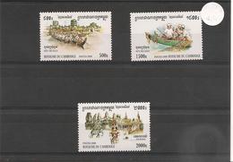 CAMBODGE Tourisme Et Fête Année  2000 N° Y/T : 1741/43** - Cambodge