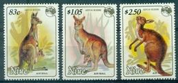 NIUE  PA N° 11 / 13 N Xx Série KANGOUROU TB Cote : 11.50 - Niue