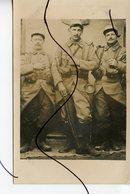 CARTE PHOTO. CPA. BALLON D'ALSACE . PHOTO DE 3 SOLDATS. Col Numéro 133. - Photographs