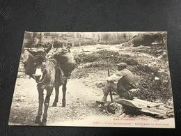 1582 - LES PYRÉNÉES Types Montagnards - Repos Dans La Montagne - 1930 - Costumes