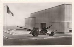 Militaria : ARROMANCHES : Calvados : Port Winston - Le Musée : Guerre 1939-45 ( CPSM Photo. Vérit. ) - Weltkrieg 1939-45