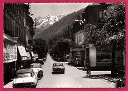 Cpsm Dentelée - Luchon - Les Allées D'Etigny - Le Port De Vénasque - Citroën DS - Peugeot 504 - Edit. JOVE - 1967 - Luchon