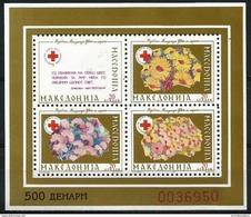 Macedonia  - 1993 Red Cross Gold Perf S/sheet  MNH **   Mi ZB5 - Macédoine