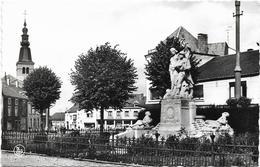 Florenville Sur Semois Le Monument Grand Place - Florenville