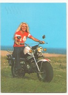 FEMME SUR UNE MOTO - Motorbikes