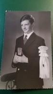 PHOTO BAUDOUIN DE SAINT JOUAN 1961 COMMUNION ? COMMUNIANT COLLEGE ST CHARLES SAINT BRIEUC  FORMAT 13.5 PAR 8.5 CM - Personnes Identifiées