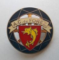 - Insigne De Calandre - Automobile Club Du Forez - - Voitures