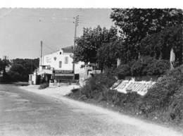 BOUCHES DU RHONE  13  LA COURONNE   LES BASTIDES  LE BAR - RESTAURANT - ALIMENTATION - Autres Communes