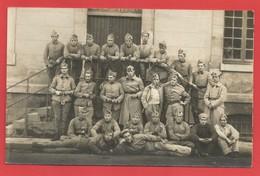 """. """" Photo """"  Photo D'une Troupe De Soldats Devant Leur Caserne   X 2 Phot. - Weltkrieg 1939-45"""
