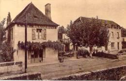 """46 - CREYSSE : Bon Plan CAFE HOTEL RESTAURANT """" DE L'ILE ( Madame FROMAGE ) Jolie CPA """" Vernie """"- Lot - Autres Communes"""