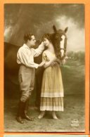 VAL150, Belle Fantaisie, Couple Avec Un Cheval, Amag 62469/6, Circulée 1922 Sous Enveloppe - Cavalli