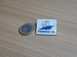 FOOTBALL .COUPE DU MONDE WORLD CUP 1998. FRANCE . VARIANTE2. - Football