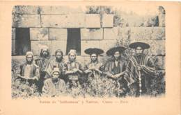 Pérou - Cuzco / 16 - Ruinas De Intihuatana Y Nativos - Peru