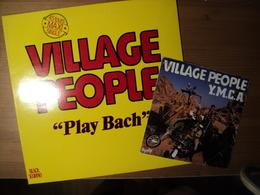 VILLAGE PEOPLE. LOT D UN 45 TOURS ET D UN MAXI 45 TOURS. 1978 / 1982 YMCA / THE WOMEN / PLAY BACH / IN THE STREET. BARC - 45 T - Maxi-Single