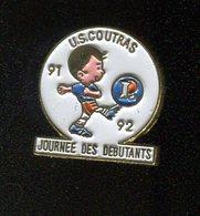 Pin's - Leclerc COUTRAS Football Journée Des Débutants - Gironde - Cities