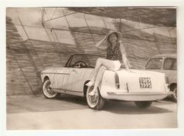 FO--00069-- FOTO ORIGINALE -CAR-AUTO-FIAT 1200 CABRIOLET DEL 1959 CON SIGNORA-TARGATA TORINO - Automobili