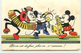 N°7617 - Carte Fantaisie - Plus On Est De Fous, Plus On S'amuse - Mickey, Minnie - Disneyworld