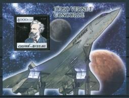 [400386]Guiné-Bissau 2007 - Jules Vernes, Concorde, Avions, Or - Célébrités