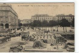 1 Cpa Bayonne - Place D'armes - Bayonne